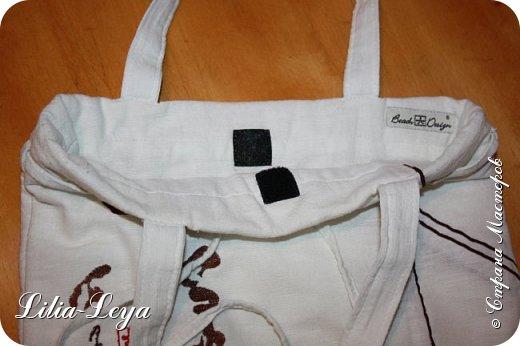 Первая моя пляжная сумка из мешковины здесь   http://stranamasterov.ru/node/1046601 Эта менее удобная: маркая, к тому же её габариты не особо позволяют положить в неё что-то лишнее. Но всё равно выручает! ) фото 5