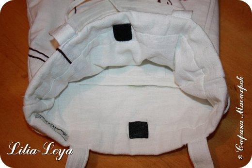 Первая моя пляжная сумка из мешковины здесь   http://stranamasterov.ru/node/1046601 Эта менее удобная: маркая, к тому же её габариты не особо позволяют положить в неё что-то лишнее. Но всё равно выручает! ) фото 6