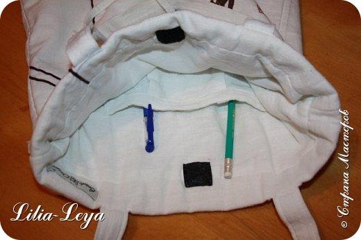 Первая моя пляжная сумка из мешковины здесь   http://stranamasterov.ru/node/1046601 Эта менее удобная: маркая, к тому же её габариты не особо позволяют положить в неё что-то лишнее. Но всё равно выручает! ) фото 7