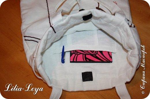 Первая моя пляжная сумка из мешковины здесь   http://stranamasterov.ru/node/1046601 Эта менее удобная: маркая, к тому же её габариты не особо позволяют положить в неё что-то лишнее. Но всё равно выручает! ) фото 8