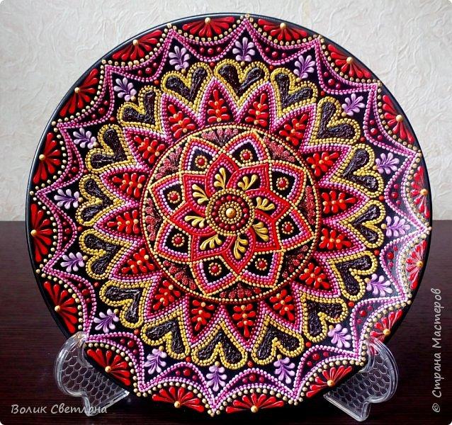 Здравствуйте, дорогие мастера! А вот вашему вниманию тарелки с орнаментом. Диаметр тарелки 21см. Керамика. фото 3