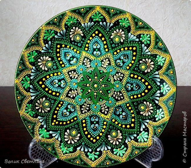 Здравствуйте, дорогие мастера! А вот вашему вниманию тарелки с орнаментом. Диаметр тарелки 21см. Керамика. фото 2