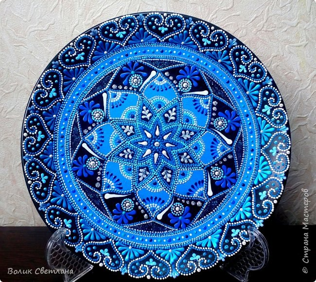 Здравствуйте, дорогие мастера! А вот вашему вниманию тарелки с орнаментом. Диаметр тарелки 21см. Керамика. фото 4