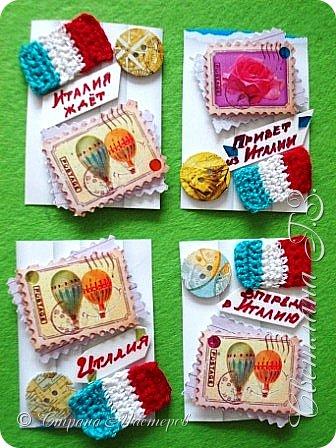 """Девочки,предлагаю вам свои карточки Италия по Совместнику https://stranamasterov.ru/node/1087039 ,сначала выбирают те кому я задолжала.Обязательный элемент вязание,у меня это итальянский флаг ,я решила пусть это будет """"ПРИВЕТ ИЗ ИТАЛИИ"""",цвета на фото отличаются от оригинала.Карточки с рецептами прилагаются,но это секрет . фото 1"""