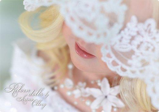 Здравствуйте, дорогие девочки-мастерицы, и просто гости сайта! Хочу показать вам мою самую долгую по времени из всех моих  работ над куколками. Это нарядная девочка-весна в образе невесты- ЛЮБАВА. Не только сама куколка, но и свадебное платье, аксессуары- всё ручная работа талантливых мастериц,по индивидуальным меркам. Рост 105см. Эта девочка украсит любую коллекцию. фото 24