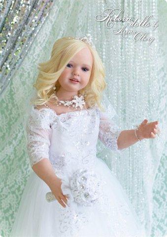 Здравствуйте, дорогие девочки-мастерицы, и просто гости сайта! Хочу показать вам мою самую долгую по времени из всех моих  работ над куколками. Это нарядная девочка-весна в образе невесты- ЛЮБАВА. Не только сама куколка, но и свадебное платье, аксессуары- всё ручная работа талантливых мастериц,по индивидуальным меркам. Рост 105см. Эта девочка украсит любую коллекцию. фото 6