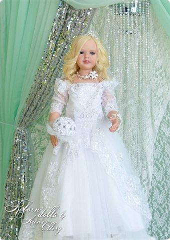 Здравствуйте, дорогие девочки-мастерицы, и просто гости сайта! Хочу показать вам мою самую долгую по времени из всех моих  работ над куколками. Это нарядная девочка-весна в образе невесты- ЛЮБАВА. Не только сама куколка, но и свадебное платье, аксессуары- всё ручная работа талантливых мастериц,по индивидуальным меркам. Рост 105см. Эта девочка украсит любую коллекцию. фото 8
