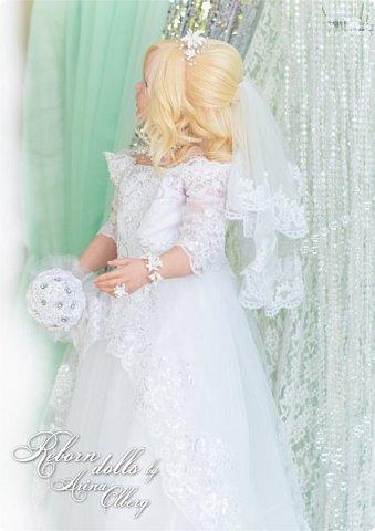 Здравствуйте, дорогие девочки-мастерицы, и просто гости сайта! Хочу показать вам мою самую долгую по времени из всех моих  работ над куколками. Это нарядная девочка-весна в образе невесты- ЛЮБАВА. Не только сама куколка, но и свадебное платье, аксессуары- всё ручная работа талантливых мастериц,по индивидуальным меркам. Рост 105см. Эта девочка украсит любую коллекцию. фото 9