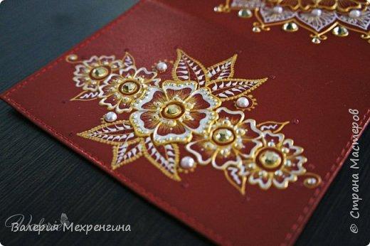 Обложка для паспорта акриловыми контурами фото 3