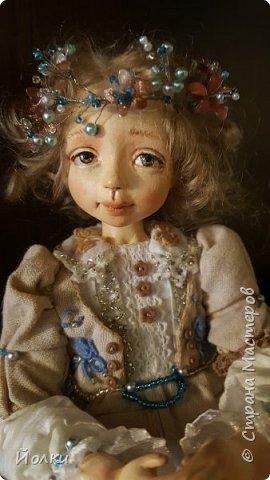 Куклы - моя работа. Мои труд и отдых. Моя любовь, моя радость, мои мечты, фантазии. Куклы - моя жизнь. Без них себя уже и не представляю... Для кого-то они - не более чем просто игрушка. Для кого-то становятся символическим воплощением Ангела-хранителя, домашнего оберега.... Здравствуйте, Жители Страны мастеров! Это Стеша, Стефания. Живет уже в городе на Неве. Ее там любят. И мне от этого ой как хорошо! фото 2
