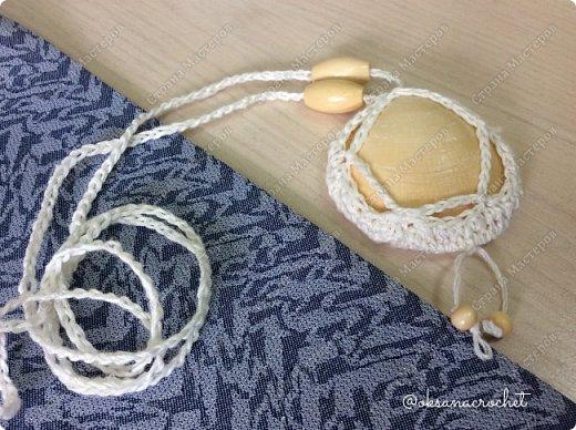 Подруга привезла с самой западной точки Европы ракушки. Как-то в интернете увидела идеи вязанных кулонов. И решила попробовать.  Вот моя коллекция.  фото 7
