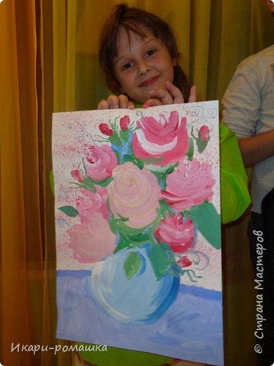 В подарок мамам рисовали весеннюю картину. Это моя работа. фото 11