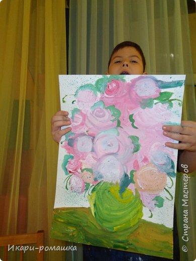 В подарок мамам рисовали весеннюю картину. Это моя работа. фото 13