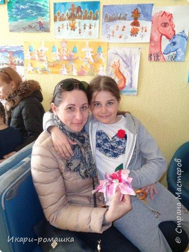Валяем брошку-цветок в подарок маме! Очень весело!!! фото 7