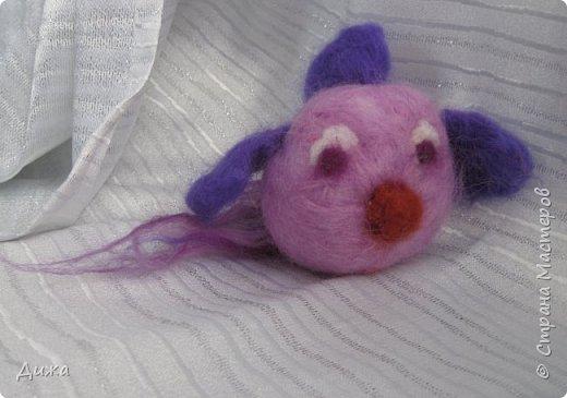 Всем большущий приветик!!! Показываю вам свою новую игрушку Рыбка-петушок. Вот он такой замечательный и яркий! Игрушку сделала на кружке валяния в школе. А цвет такой выбрала, потому что это мои любимые сочетания оттенков. По гороскопу я рыбка и люблю рыбок :-) фото 6