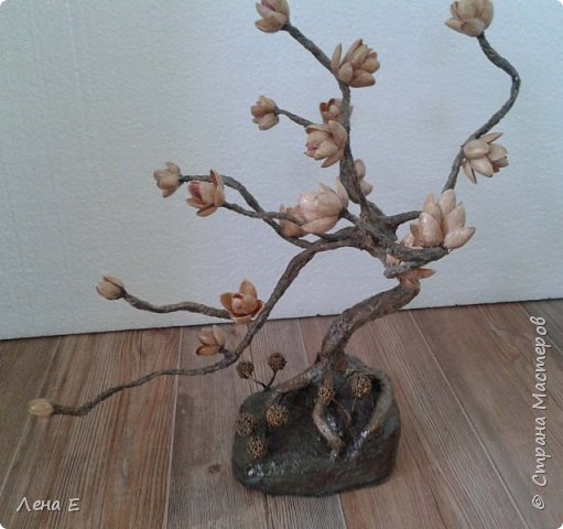 дерево из папье маше, цветочки фисташки