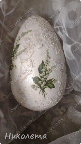 Всем привет, давно не была в стране. Попросили украсить деревянную заготовку, большая, как страусиное яйцо, рядом для сравнения куриное фото 2