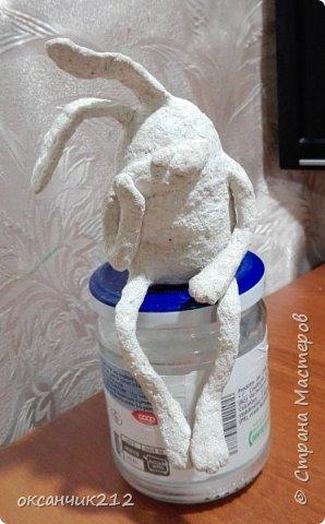 Здравствуйте дорогие мои жители любимой страны! У моего зайца печалька, наверное по поводу заканчивающихся праздников, снова на работу...Увидела уже давно картинку такого зайца, сохранила себе, теперь не могу найти автора, там написано просто Оксана, думала не сложно будет по имени найти, а оказалось почти две тысячи Оксан в стране. Если автор узнает, пусть отзовется. фото 4