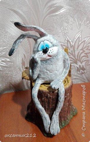 Здравствуйте дорогие мои жители любимой страны! У моего зайца печалька, наверное по поводу заканчивающихся праздников, снова на работу...Увидела уже давно картинку такого зайца, сохранила себе, теперь не могу найти автора, там написано просто Оксана, думала не сложно будет по имени найти, а оказалось почти две тысячи Оксан в стране. Если автор узнает, пусть отзовется. фото 1