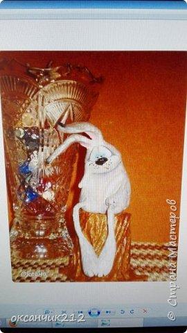 Здравствуйте дорогие мои жители любимой страны! У моего зайца печалька, наверное по поводу заканчивающихся праздников, снова на работу...Увидела уже давно картинку такого зайца, сохранила себе, теперь не могу найти автора, там написано просто Оксана, думала не сложно будет по имени найти, а оказалось почти две тысячи Оксан в стране. Если автор узнает, пусть отзовется. фото 2