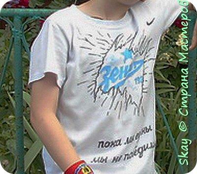 Свои работы я выставляю на продажу. Самая популярная - футболка с котенком с ул.Лизюкова. Да,да я из Воронежа! Все рисунки рисую сама от руки сразу на ткани. фото 7