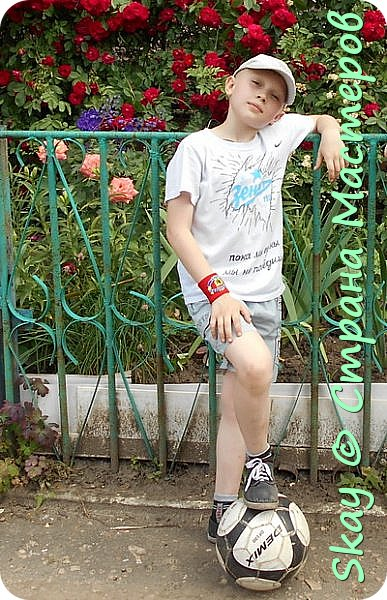 Свои работы я выставляю на продажу. Самая популярная - футболка с котенком с ул.Лизюкова. Да,да я из Воронежа! Все рисунки рисую сама от руки сразу на ткани. фото 6
