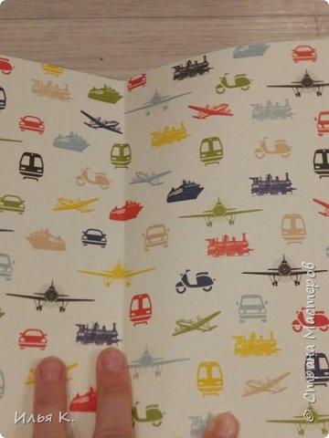 Добрый день! Сегодня я вам покажу мой блокнот ручной работы. Основа обложки картон. Прошитый на машинке. И мне помогала мама. фото 2