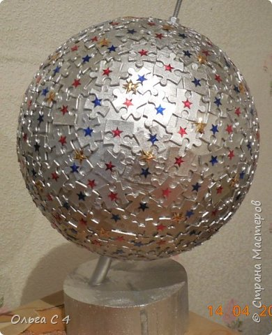 Вот такой серебряный глобус мы сделали с доченькой на конкурс.
