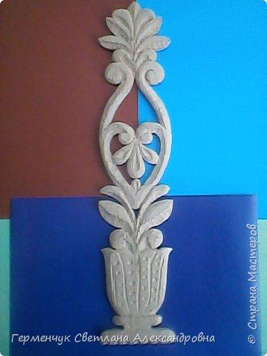 Эту изящную вазу с цветами  вырезал  Павлючук Андрей, 9  лет .Мальчик занимается в ДШИ  резьбой по дереву (преподаватель  Вячеслав Николаевич) фото 2
