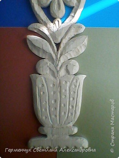 Эту изящную вазу с цветами  вырезал  Павлючук Андрей, 9  лет .Мальчик занимается в ДШИ  резьбой по дереву (преподаватель  Вячеслав Николаевич) фото 4