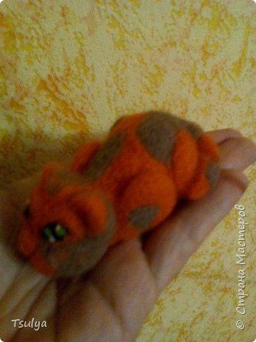 Моя первая игрушка) Вот такой забавный получился звереныш) фото 3