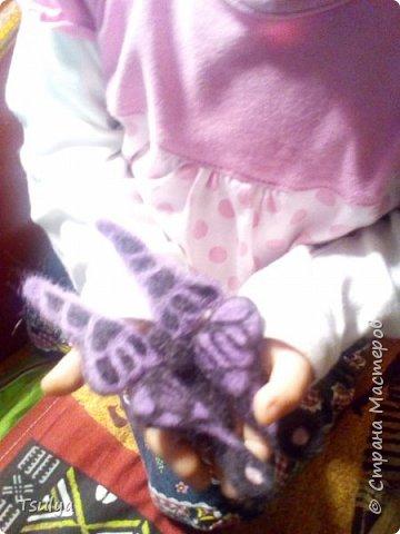 Бабочка в технике сухое валяние с использоаанием проволочного каркаса. фото 2