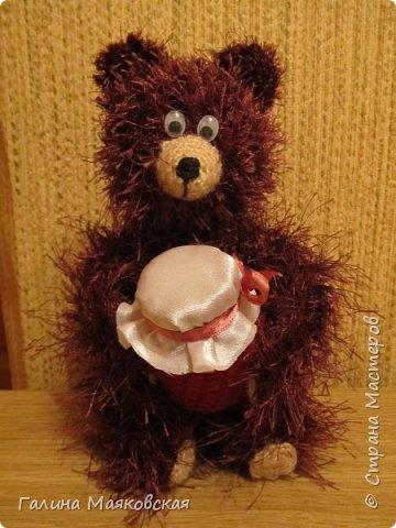 Однажды вечером ежик шел в гости к медвежонку смотреть вместе на звезды и пить чай с малиновым вареньем... И заблудился. Но встреча, как видите, все-таки состоялась! фото 2