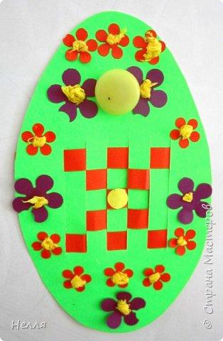 Впервые сделала с детьми старшей группы пасхальные яйца, украшенные плетением бумагой. Такие получились у нас писанки. фото 5