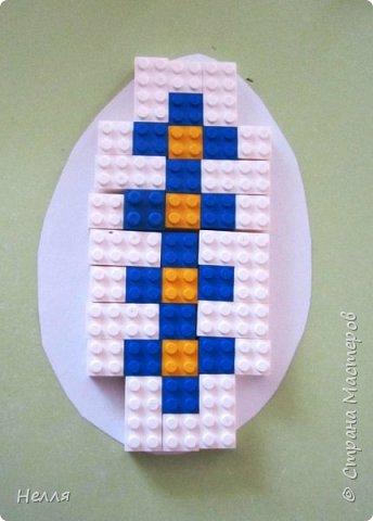 Впервые сделала с детьми старшей группы пасхальные яйца, украшенные плетением бумагой. Такие получились у нас писанки. фото 9