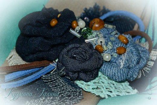 Попробовав себя в изготовлении текстильных брошей  http://stranamasterov.ru/node/1085490 , я поняла,что остановиться в этом деле сложно... Стала экспериментировать с джинсой. фото 6