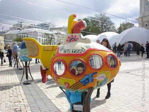 Дорогие друзья! Наконец-то я сегодня выбралась на Софиевскую площадь в Киеве, где на Пасхальные праздники расположена шикарная выставка писанок! Мне очень стыдно, что рядом живу, а вот сподобилась только сегодня, в воскресенье... Вот, постараюсь и вам передать мой восторг! фото 12