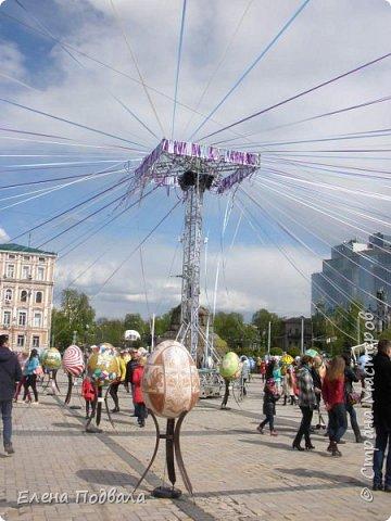 Дорогие друзья! Наконец-то я сегодня выбралась на Софиевскую площадь в Киеве, где на Пасхальные праздники расположена шикарная выставка писанок! Мне очень стыдно, что рядом живу, а вот сподобилась только сегодня, в воскресенье... Вот, постараюсь и вам передать мой восторг! фото 14
