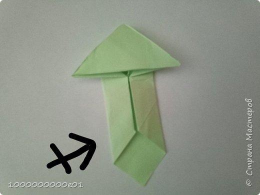 Вам понадобятся 2 листа бумаги (один - для корпуса, другой - для паруса) и ножницы. фото 9