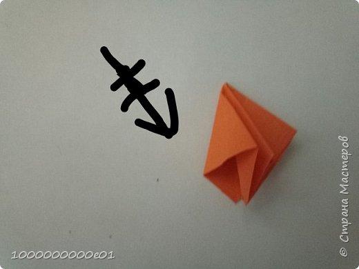 Вам понадобятся 2 листа бумаги (один - для корпуса, другой - для паруса) и ножницы. фото 29