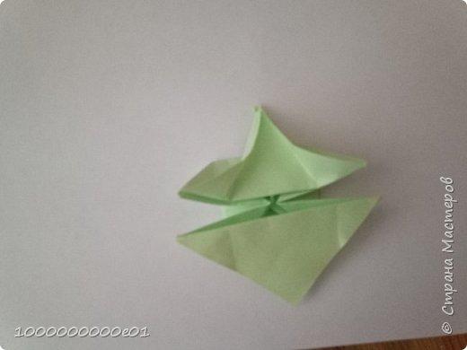Вам понадобятся 2 листа бумаги (один - для корпуса, другой - для паруса) и ножницы. фото 11