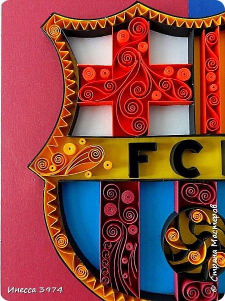 Добрый день,дорогие коллеги!Моя новая работа в технике контурный квиллинг.Картина сделана в подарок на день рождения моему внуку,фанату футбольного клуба Барселона.Ему 30 апреля исполняется 9 лет фото 3