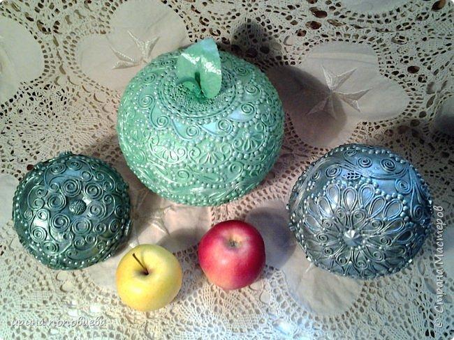 Доброго понедельника,мои дорогие!Хорошей погоды и хорошего настроения!Решила похвастаться прибавлением в яблочном семействе-чуть поменьше размерами новые яблочки.Описывать нечего,так что просто покажу! фото 3