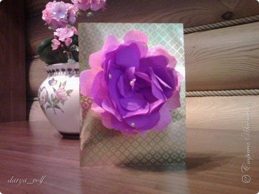 У меня накопилось несколько работ с цветами из гофрированной бумаги :) Так что делюсь с вами фото 6