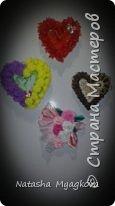День влюбленных - день признаний и чувств. В этот день принято дарить валентинки - сердечки.  К этому нежному празднику сотворились магнитики - валентинки сердечки.  Это нежное сердце отправилось на холодильник невестки))) фото 2