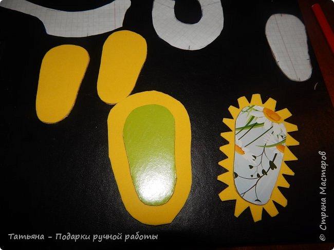 Представляю вам МК -  обувь для кукол. МК делаю впервые, попробую описать все более подробней...Для работы нам понадобиться: горячий клей, картон плотный, фоамиран,(вместо него можно использовать кожу или фетр) ткань хлопковая для внутренней части, шифон, гипюр,дублерин  или флизелин.  фото 3