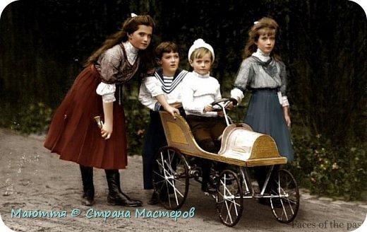 Представляю вам детский прогулочный костюм в стиле Модерн, который навеян мне реальными фотографиями начала 20го века. Период 1890-1914гг. , получивший название «модерн» и «арт нуво», полностью отражал новое направление, связанное с началом большого обновления в культуре и приближением к реальности с непременной практичностью костюма. Комплект состоит из традиционных элементов одежды модниц - суфражисток: КОСТЮМ, БЛУЗА, ЮБКА, ТУНИКА.     фото 14