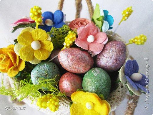 Здравствуйте, друзья! Маленький декоративный велосипедик из проволоки и шпагата, с пасхальной корзиной и яйцами из соленого теста. фото 7