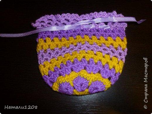 Сумочки-мешочки для подарков. Использовала материалы сайта: http://stranahandmade.net/vyazanie-kryuchkom/sumochka-dlya-devochki-kryuchkom фото 4