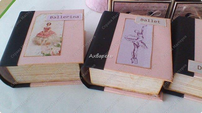 Органайзер номер два, был еще и третий чисто розовый, но не сфотографировала. Это для дочки. Сделала по ее желанию и вкусу. Мне кажется, удачное сочетание цвета и бумаги. Назвали его «балет». На изделие пошел картон пивной 1,5мм толщина, несколько листов скрапбумаги и бумага двусторонняя, клей. Клей использую UHU, хороший клей. фото 12